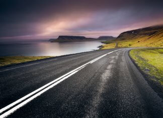 What are the top stops and attractions on Iceland's southern Ring Road?