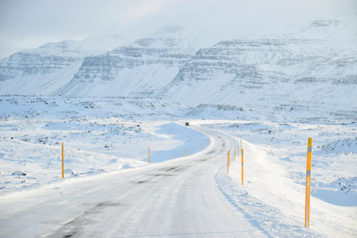 Driving in iceland in winter can be dangerous. Here are some travel tips.