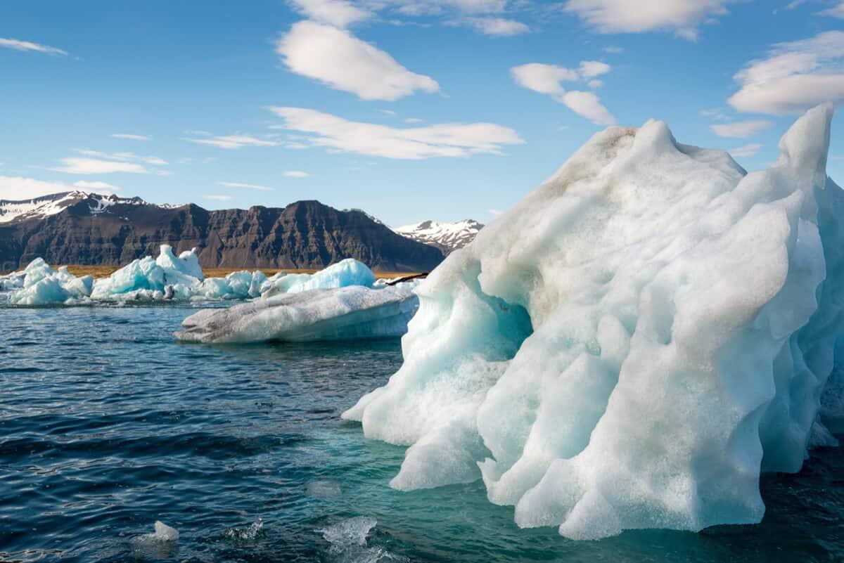 Jökulsárlón glacier lagoon in Iceland in April