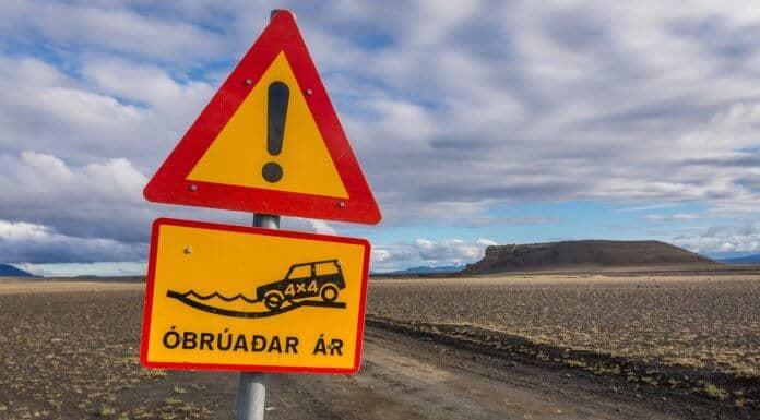 Óbrúadar ár is a special road sign in Iceland