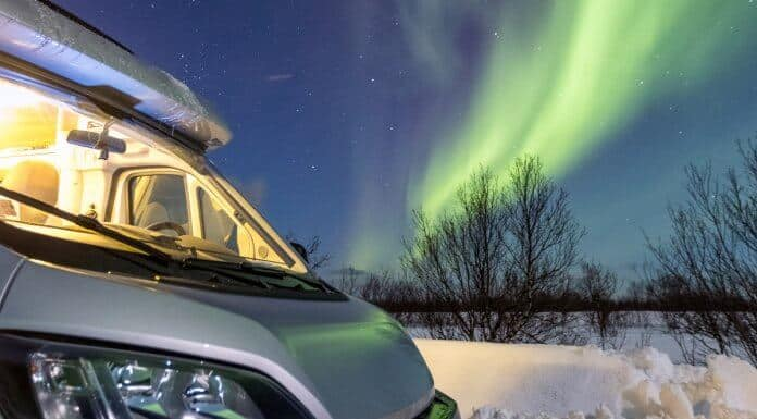 Iceland Northern Lights tour by campervan