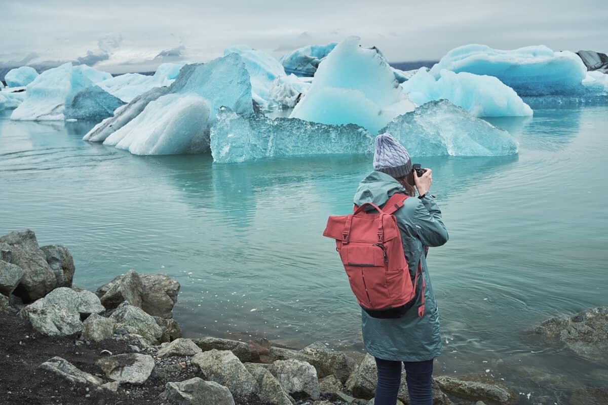 Camper at Jokulsarlon glacier lagoon