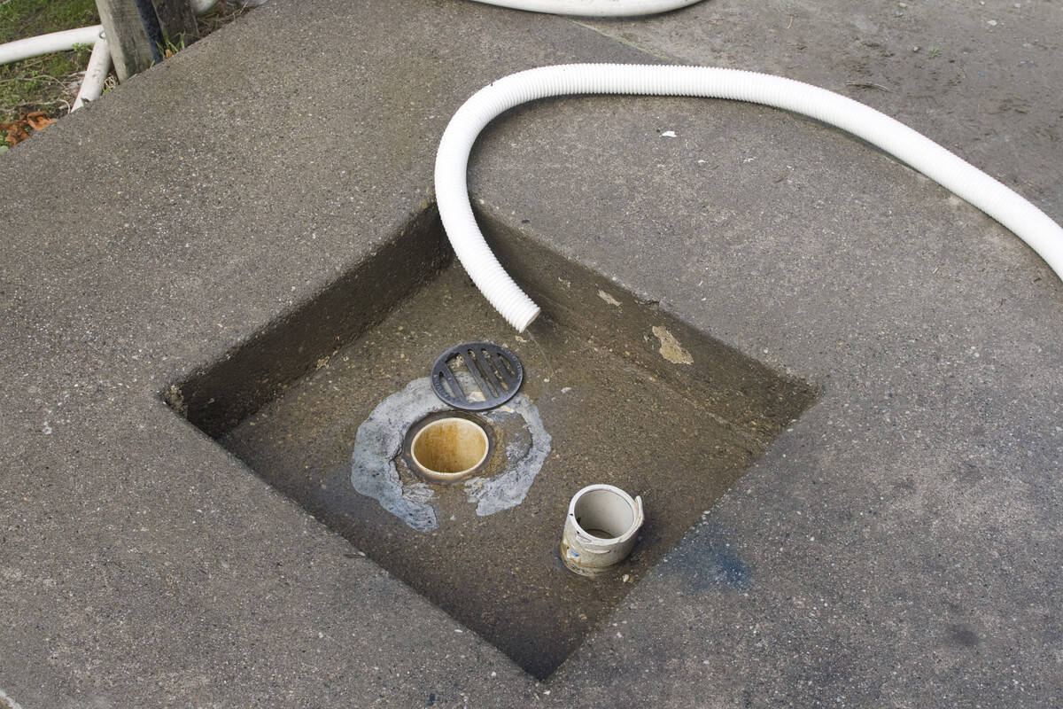 RV dump stations in Iceland how to with hose