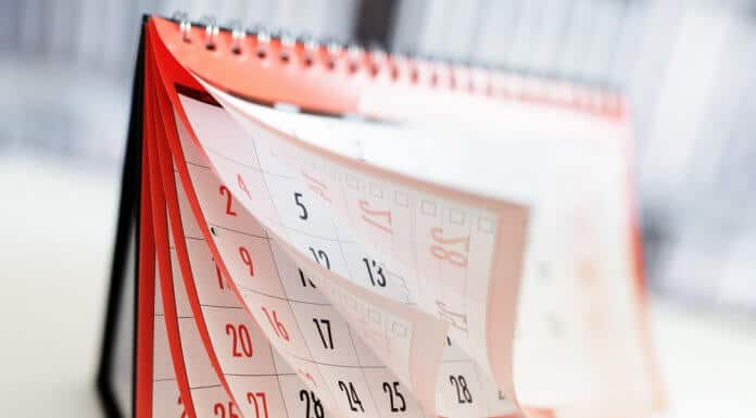 Calendar flipping with best time of year concept