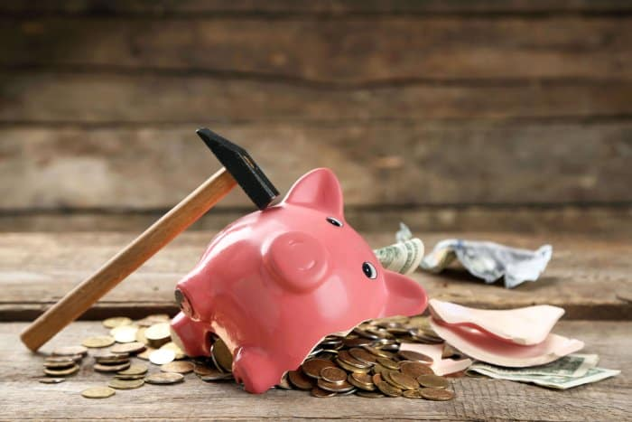 Piggy bank to save up some money for camping on a budget in Iceland