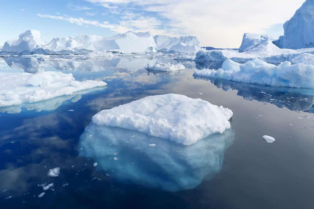 The Raudfeldargja canyon story involves an Iceberg