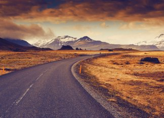 Open stretch of Iceland's Ring Road