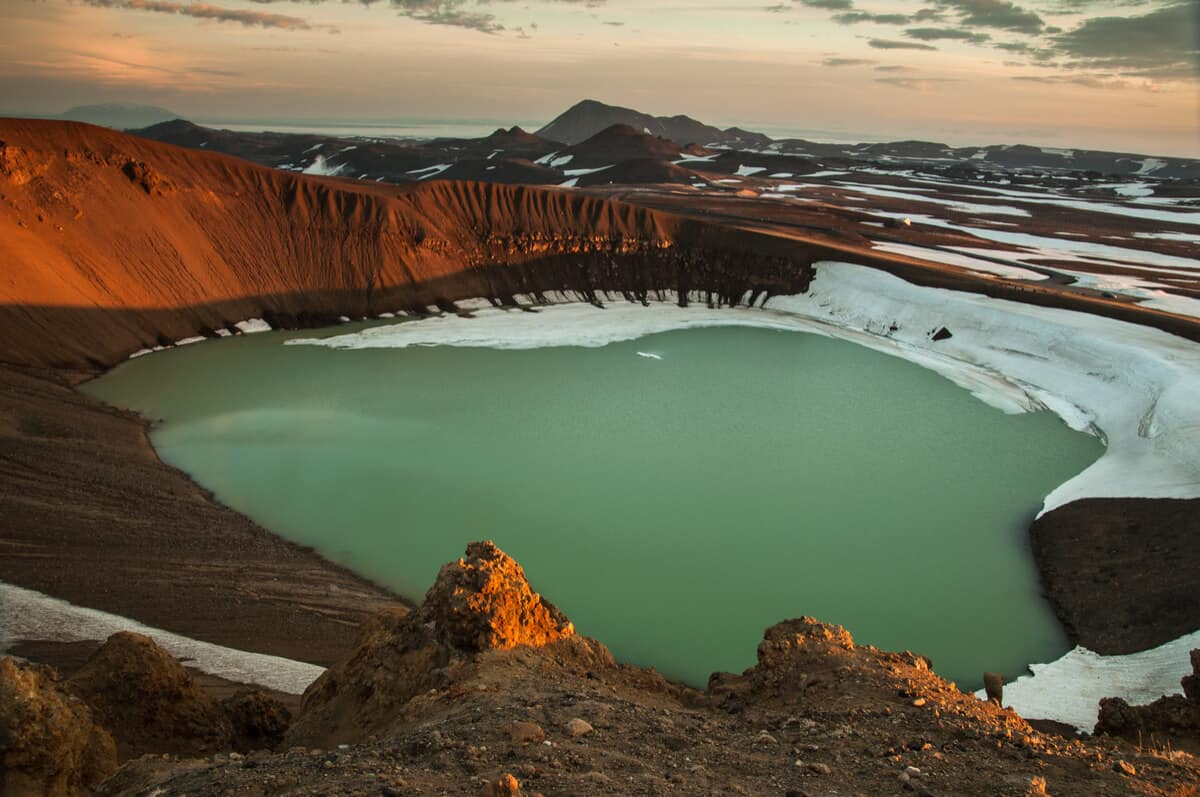 Volcano tours of Askja crater lake in Iceland