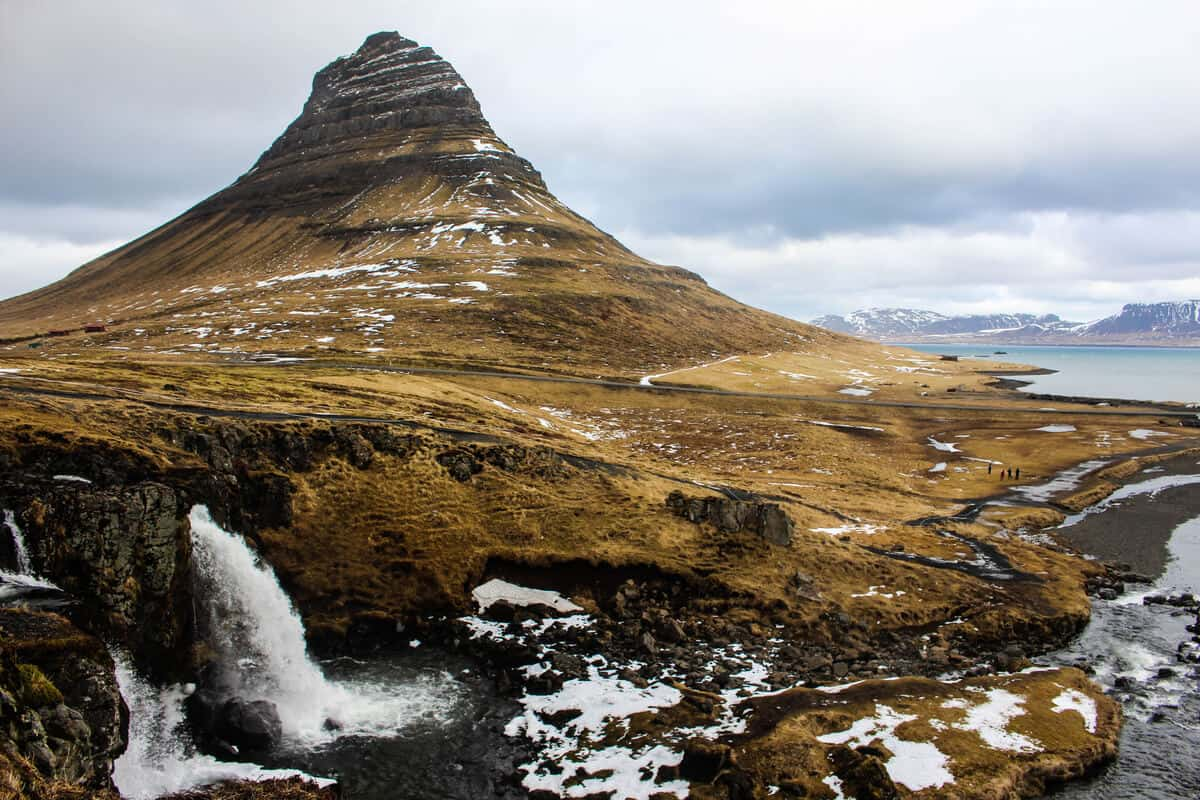 Iceland's weather in April - Temperatures and snow at Kirkjufell