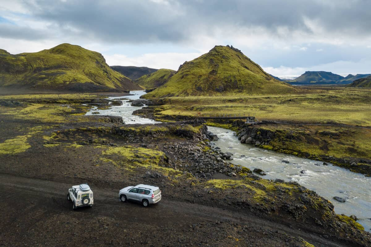 Iceland driving safety for crossing rivers in the Highlands