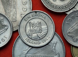 Icelandic currency and króna coins