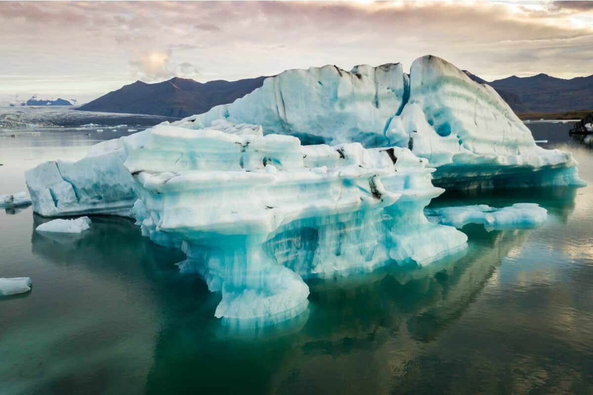 Camping at Jokulsarlon glacier lagoon